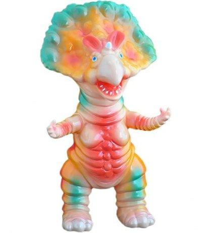 Monoclon__flesh_painted-hiramoto_kaiju-monoclon-cojica_toys-trampt-140658m