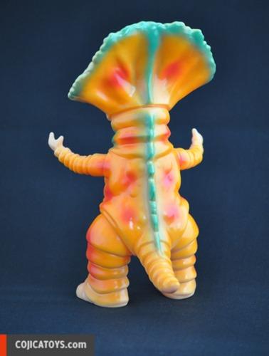 Monoclon__flesh_painted-hiramoto_kaiju-monoclon-cojica_toys-trampt-140660m