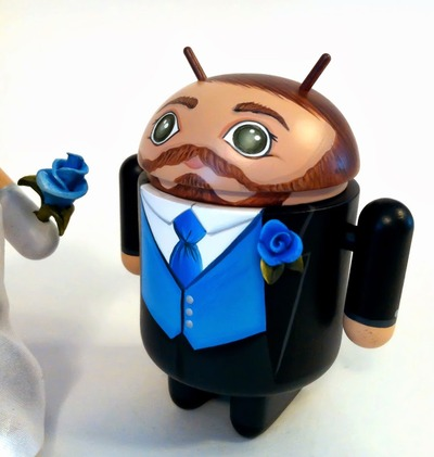 Android_wedding_cake-toppers-maloapril-android-trampt-141778m