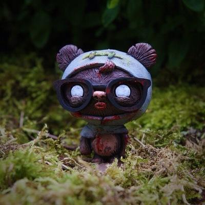 Zombie_geekwok-ume_toys_richard_page-geekwok-ume_toys-trampt-141948m