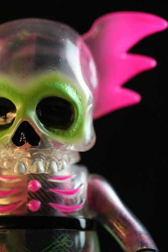 Skullwing_neon_pink-pushead-skullwing-secret_base-trampt-143643m