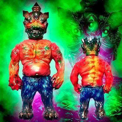 Ollie_enma_one_off_custom_no2-blobpus_lash-ollie-mutant_vinyl_hardcore-trampt-144307m