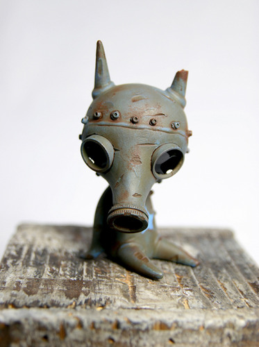 Drilone_blue_gasmask_ash-drilone-wandering_misfits-trampt-150702m