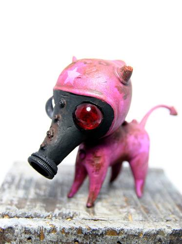 Drilone_hot_pink_gasmask_dexter-brandt_peters_drilone_kathie_olivas-wandering_misfits-trampt-150707m