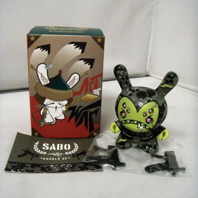 Double_up-devious-dunny-kidrobot-trampt-151087m