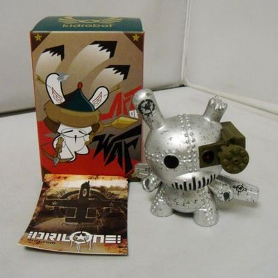 Untitled-drilone-dunny-kidrobot-trampt-151102m