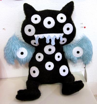 Eye-ce_bat_and_baby-love__a_sandwich_chelsea_rae_bioxsom-uglydoll_plush-trampt-153336m