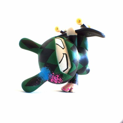 Handplant_ninja_green_diamond-tony_gil-dunny-trampt-153650m