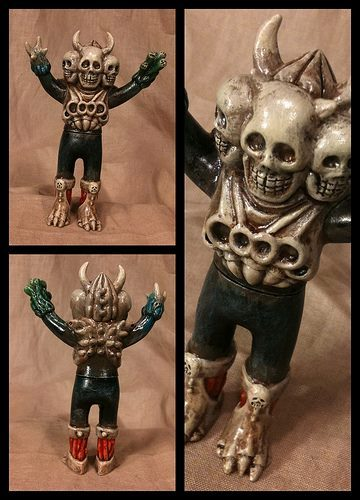Custom-skulltoys_valleydweller-doku-rocks-takeuchi-yu-trampt-154792m