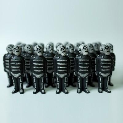 Mini_bones_-_black-killer_bootlegs_mike_egan-mini_bones-dke_toys-trampt-158252m