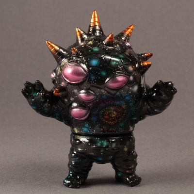 Kaiju_eyezon_mini_galaxy_style-mark_nagata-eyezon_mini-trampt-158712m