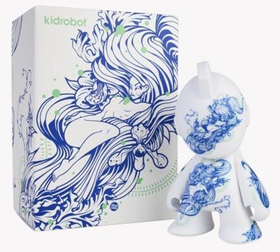 Floral_pleasure_bot-tristan_eaton-kidrobot_mascot-kidrobot-trampt-159706m