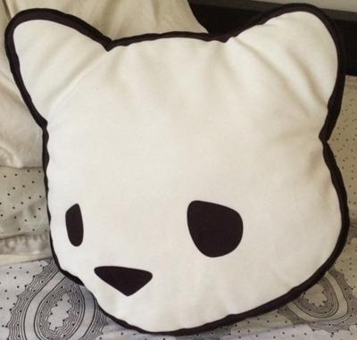 Bear_head_pillow-luke_chueh-bitch-sofakingrolf-trampt-160093m
