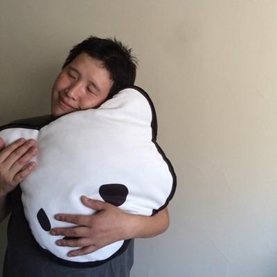 Bear_head_pillow-luke_chueh-bitch-sofakingrolf-trampt-160094m