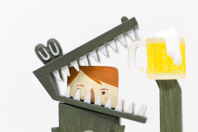 Baby_eating_crocodile_-_eddie_the_mascot-wetworks-vivisect_playset-self-produced-trampt-160258m