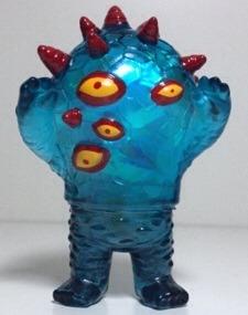 Devilman_mini_kaiju_eyezon-johan_ulrich-mini_eyezon-death_cat_toys-trampt-161249m