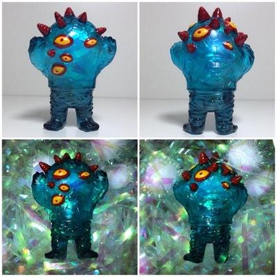 Devilman_mini_kaiju_eyezon-johan_ulrich-mini_eyezon-death_cat_toys-trampt-161250m