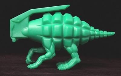 Dinogrenade_-_og-ron_english-dinogrenade-popaganda-trampt-161591m