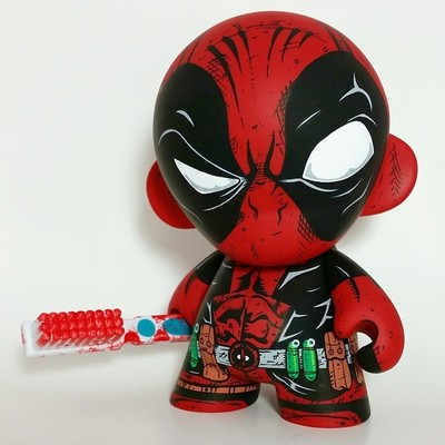 Deadpool-the_other_guy-munny-trampt-167116m