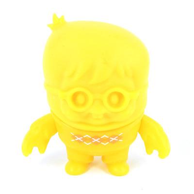 Lyle_bean_yellow-scott_tolleson-lyle_bean-mighty_jaxx-trampt-167390m