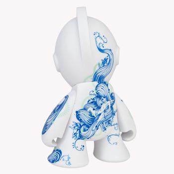 Floral_pleasure_bot-tristan_eaton-kidrobot_mascot-kidrobot-trampt-168050m