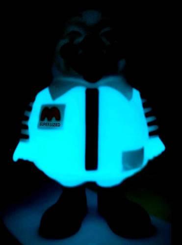Super_size_me_blue_gid-ron_english-mc_supersized-secret_base-trampt-173084m