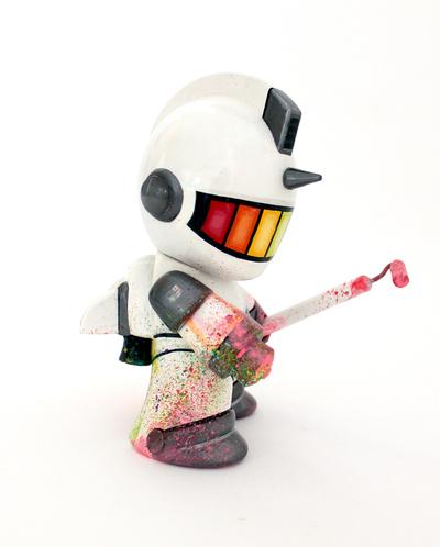 Artillerist_mural_suit-david_flores-kidrobot_mascot-trampt-174134m