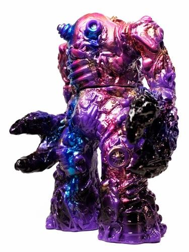 Purple_haze_daigomi-brian_mahony_guumon_kaijumonster-daigomi-trampt-174525m