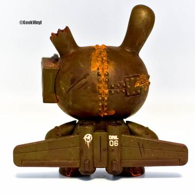 Drilone_-_art_of_war_green-drilone-dunny-kidrobot-trampt-176146m