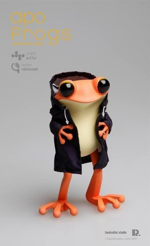 Apo_frog_purple_raincoat_ver-twelvedot-apo_frogs-self-produced-trampt-180608m