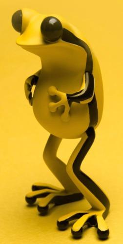 Apo_frog_-_rojo_sombra_ver-twelvedot-apo_frogs-twelvedot_studio-trampt-180625m
