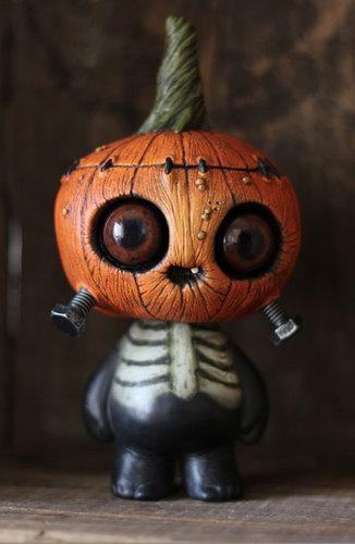 Ghosty_gourdwort-brandt_peters_chris_ryniak-4-legged_masao_skelve-trampt-182178m