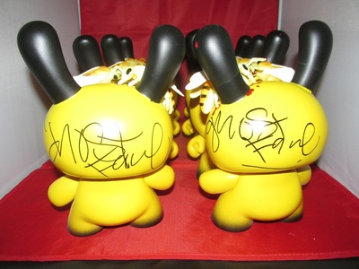 Wu_tang_killer_bee_dunny_signed_by_ghostface_killah_-wigalicious_shawn_wigs-dunny-trampt-186829m