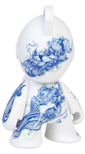 Floral_pleasure_bot-tristan_eaton-kidrobot_mascot-kidrobot-trampt-187434m