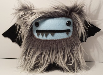 Yeti-bat_plush-lula-squid-yeti-bat-lula-squid-trampt-188046m