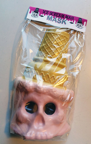 Ice_cream_man_mask_-_strawberry-bryan_brutherford-plastic-trampt-188066m