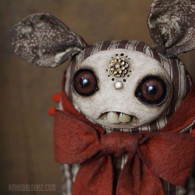 Dust_bunnies-amanda_louise_spayd-dust_bunnies-trampt-191509m