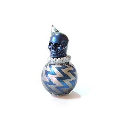 Cult_balla_blue_skull-a-kikkake-roly-poly_the_bomb-kikkake_toy-trampt-192975m