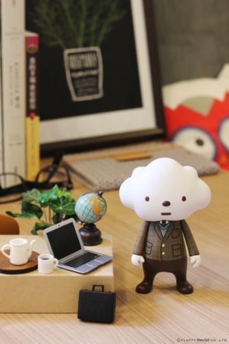 Cloudy_style_-_cloud_in_suit-fluffy_house-mr_white_cloud-fluffy_house-trampt-193128m