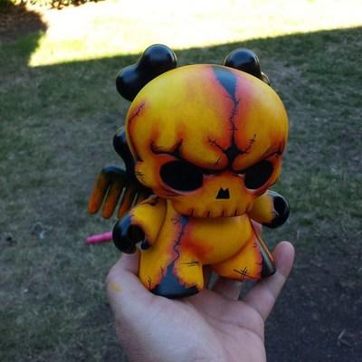 Skullhead_dunny_custom-jfury-dunny-trampt-193144m