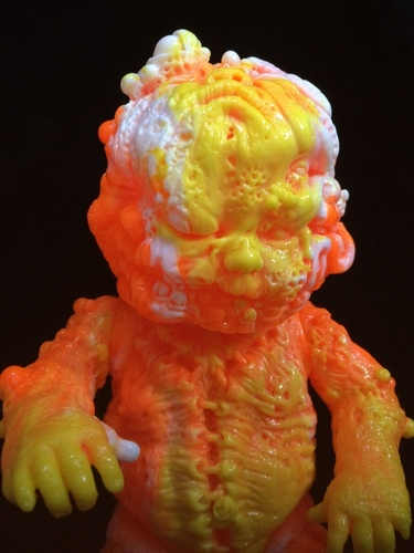 Dcon_release_candy_corn_puke_edition_azsb-jeremi_rimel_miscreation_toys-autopsybabies_gergle-trampt-194170m