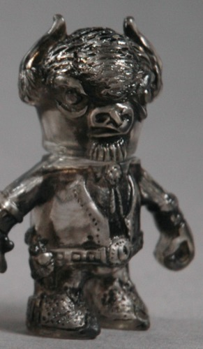 Errant_-_cutty_the_mutated_buffalo_clear_antiqued-uh-oh_toys-errant-uh-oh_toys-trampt-195054m