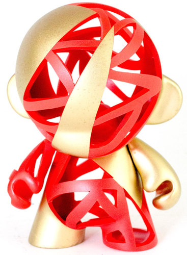 Red_and_gold-carson_catlin-munny-trampt-195167m