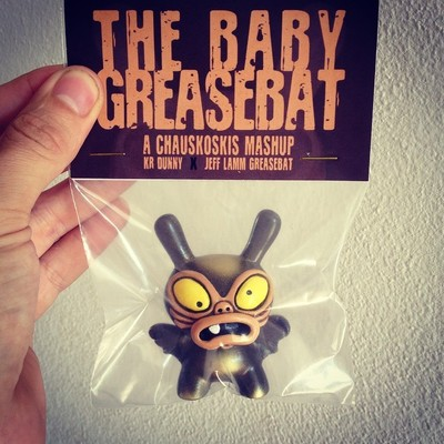 Baby_greasebat__brown_chocolate_with_golden_spray-chauskoskis-dunny-trampt-195177m