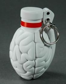Brainade_-_white-emilio_garcia-brainade-lapolap-trampt-195374m