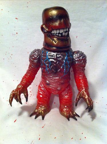 Gnaw-x-plaseebo_bob_conge_rampage_toys_jon_malmstedt_skull_head_butt-gnaw-x-rampage_toys__marmit-trampt-195606m
