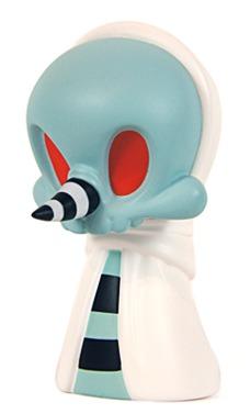 Blue__white_greeter-kathie_olivas_brandt_peters-wandering_misfits-cardboard_spaceship-trampt-195621m
