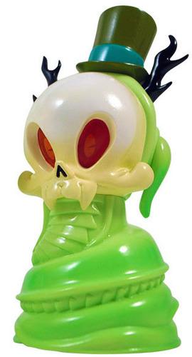 Heathern_snake_skelve_-_bitter_mantis_green-brandt_peters-heathern_snake_skelve-tomenosuke__cp-trampt-195658m
