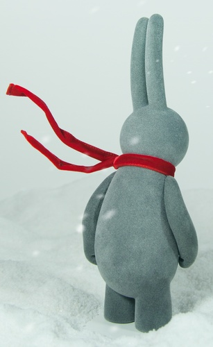 Petit_lapin_blowing_in_the_wind_edition_-_flocked_grey-mr_clement-petit_lapin-self-produced-trampt-199398m