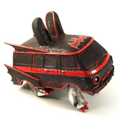 Batvan-leecifer-bunnyvan-trampt-199785m